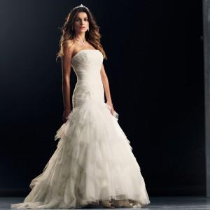 robes de mari e originales 27 nouvelles robes de mariage. Black Bedroom Furniture Sets. Home Design Ideas