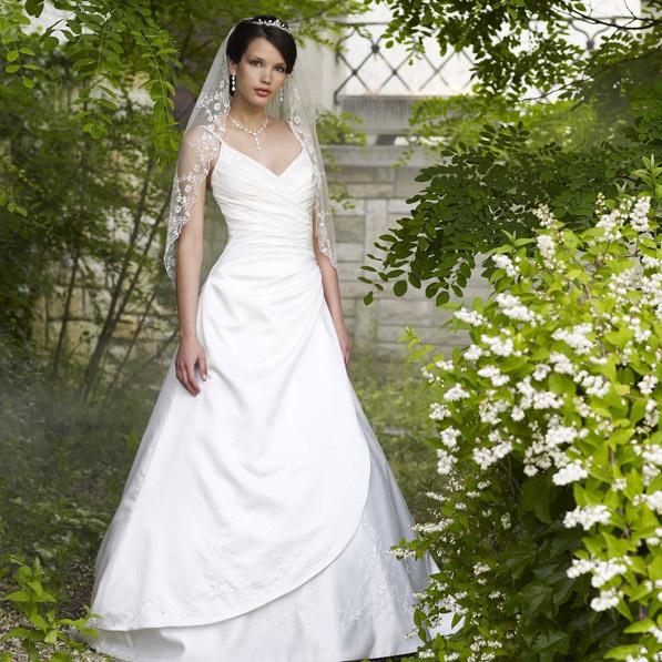 Catalogue de robes de mariée: succombez à nos modèles de qualité !