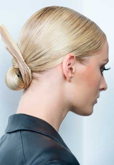 chignon graphique coiffure mariage