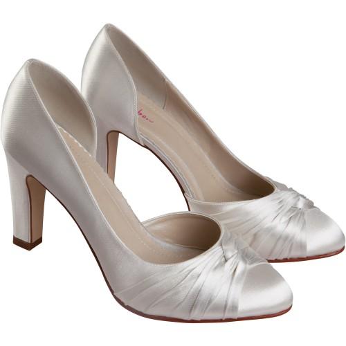 bien choisir ses chaussures de mari e. Black Bedroom Furniture Sets. Home Design Ideas