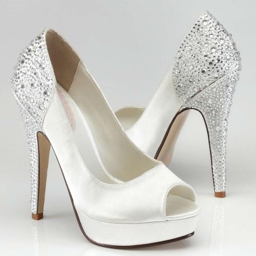 des chaussures de star pour votre mariage avec brillants et strass. Black Bedroom Furniture Sets. Home Design Ideas