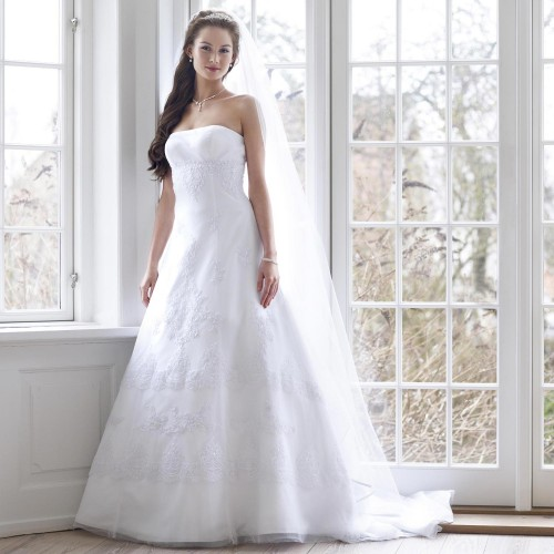 la robe de mari e blanche traditions et alternatives