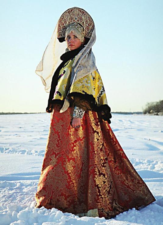 kokochnik est une coiffe traditionnelle russe
