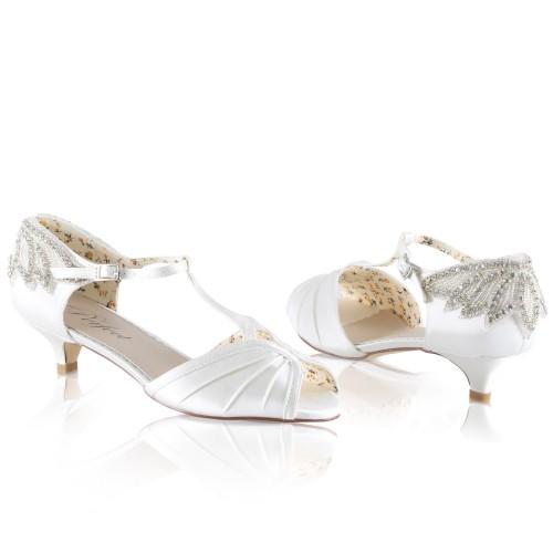 b028fc05888318 Chaussures mariée vintage petit talon Rosetta Perfect. Appuyer pour agrandir