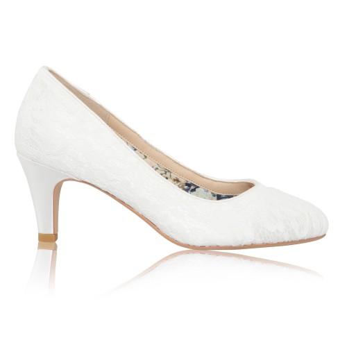 erica-dentelle-perfect-chaussures-de-mar