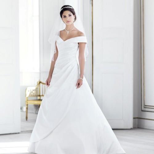 Robe de mariée blanche en satin à col bateau Alexia