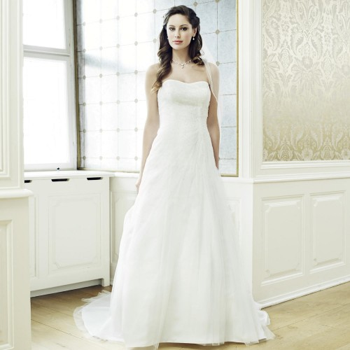 395ed69d29b09 Robe de mariée princesse tulle bustier coeur Louise