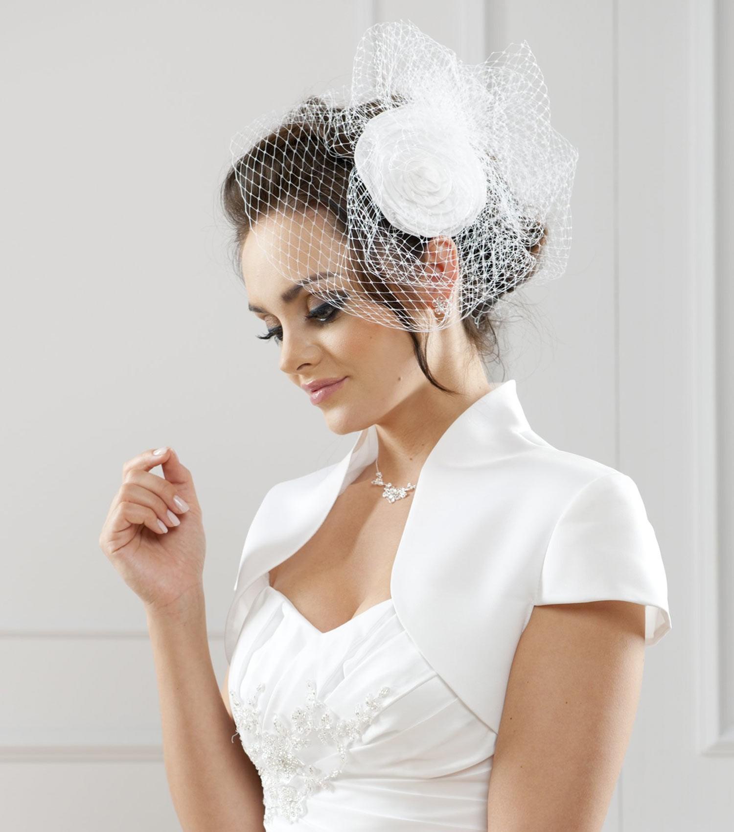 Bolero Rouge Mariage dedans boléro de mariage et étoles, accessoires de la mariée - instant