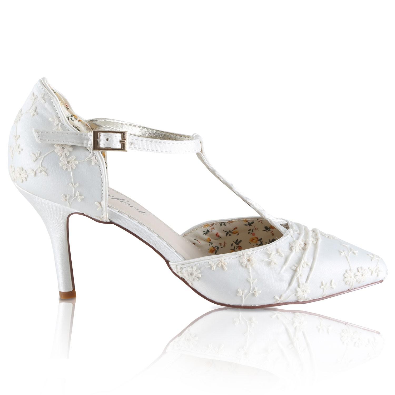 chaussure mariage dentelle ivoire avec fleurs betsy. Black Bedroom Furniture Sets. Home Design Ideas