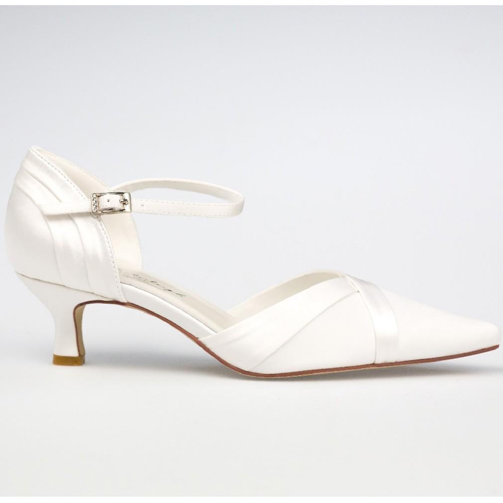 chaussure mariage ivoire en satin bout pointu talon 5 cm julia westerleigh. Black Bedroom Furniture Sets. Home Design Ideas