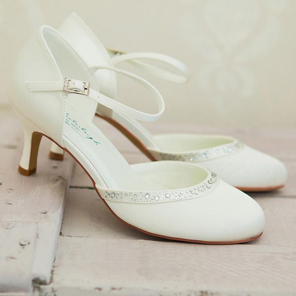 chaussure mariage ivoire ou blanche en satin bout rond talon 6 cm adele westerleigh. Black Bedroom Furniture Sets. Home Design Ideas