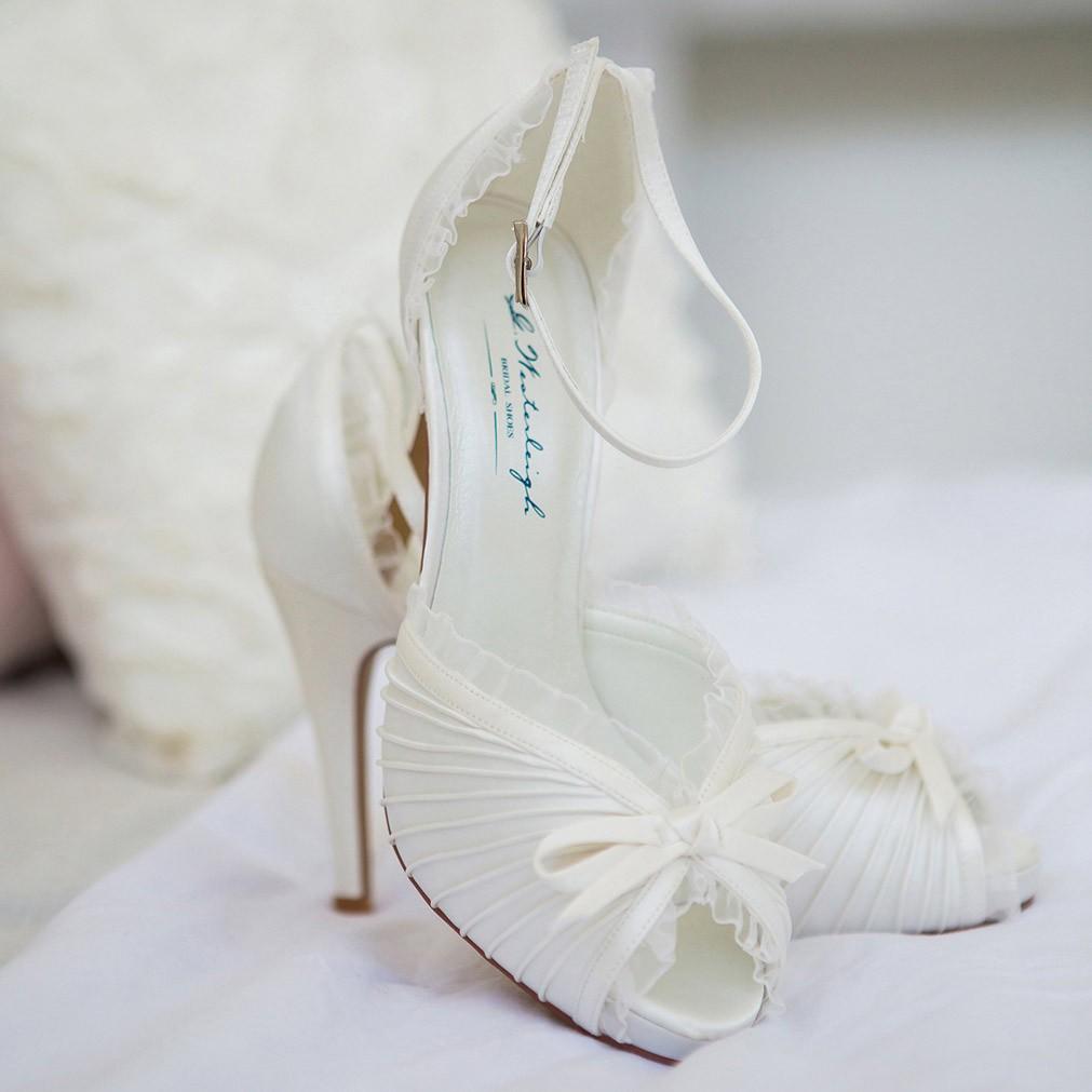 chaussure mariage ivoire ou blanche en satin bout ouvert talon 11 cm charlotte westerleigh. Black Bedroom Furniture Sets. Home Design Ideas