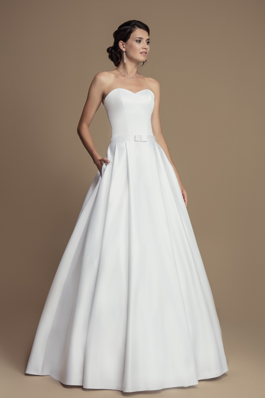 Robe mariée princesse satin à bustier cœur