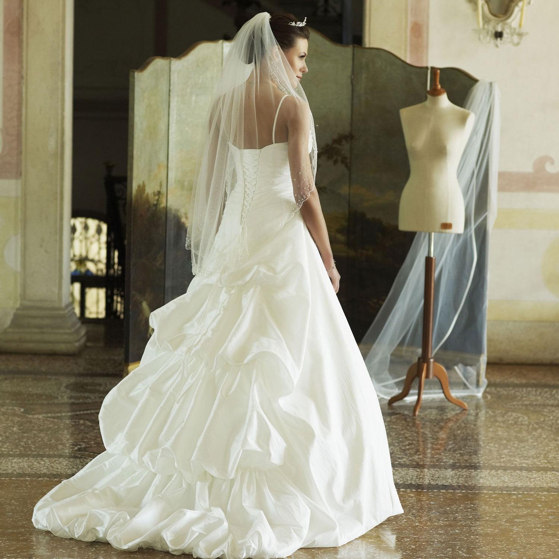 2e08241e4b94c Robe de mariage pas cher en taffetas - Instant Précieux
