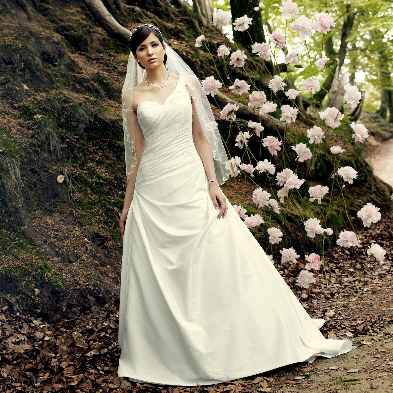 Robe de mariée pas cher asymétrique Adya