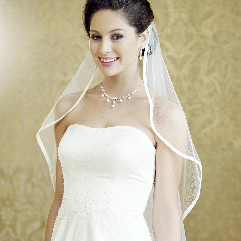 e91a6582503fc Robe de mariage princesse bustier Jeanne  Robe de mariée satin Jeanne ...