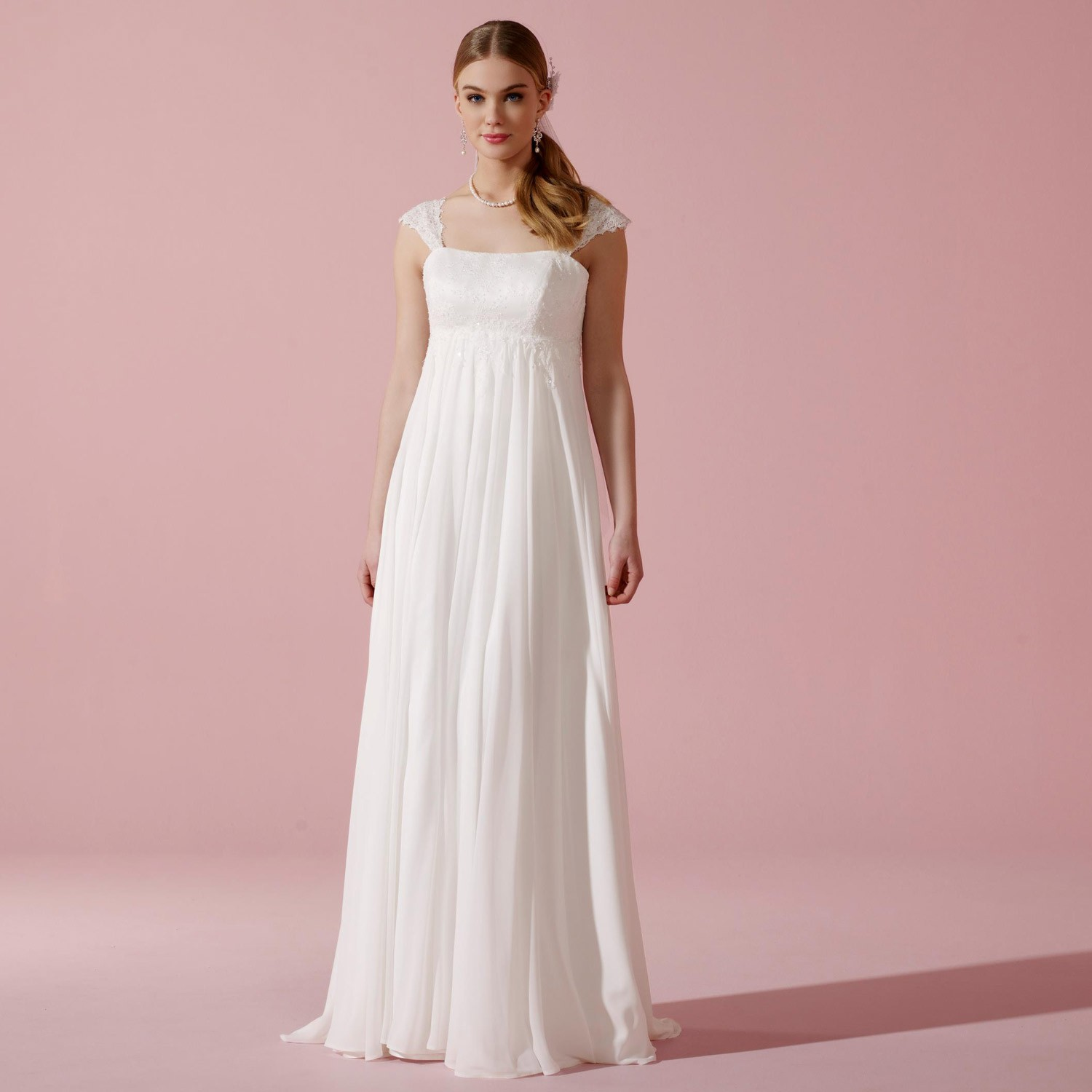 Robe de mari e empire en mousseline et bretelles amila for Robes de mariage empire uk