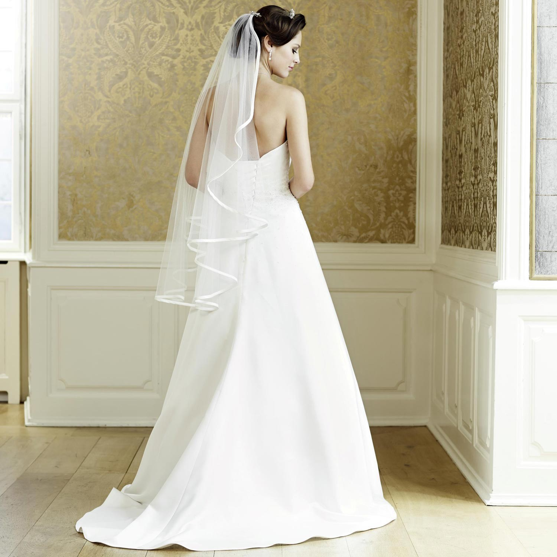 74bd567f1bf7c Robe de mariage princesse bustier Jeanne  Robe de mariée satin Jeanne  Robe  de mariée rebrodée Jeanne
