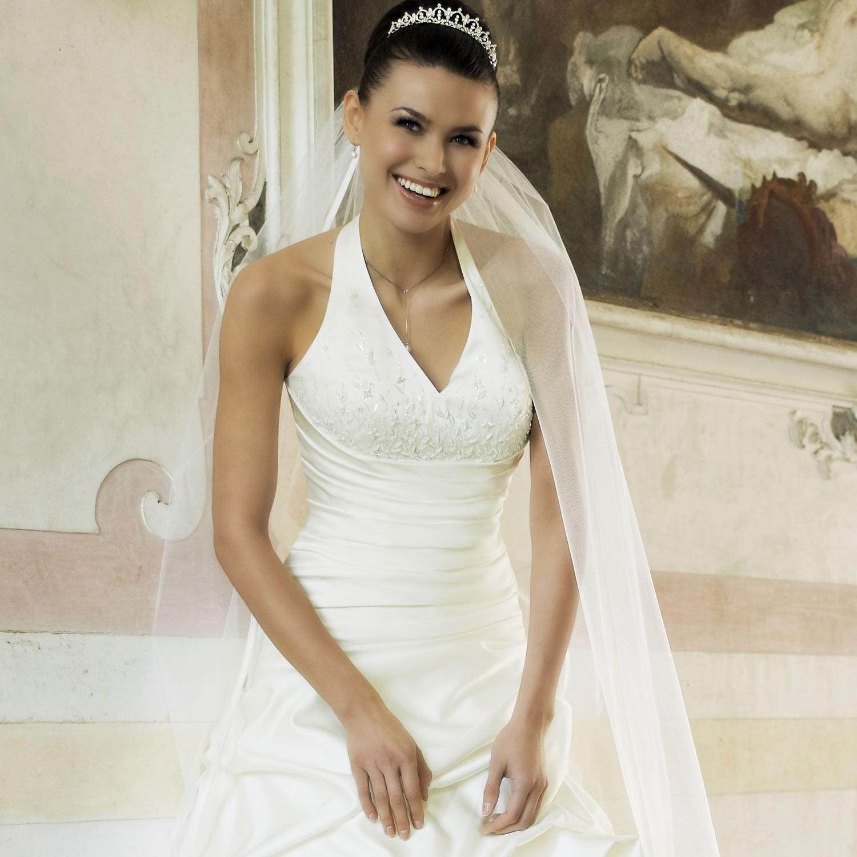 robe de mariage pas ch re ivoire en satin instant pr cieux. Black Bedroom Furniture Sets. Home Design Ideas
