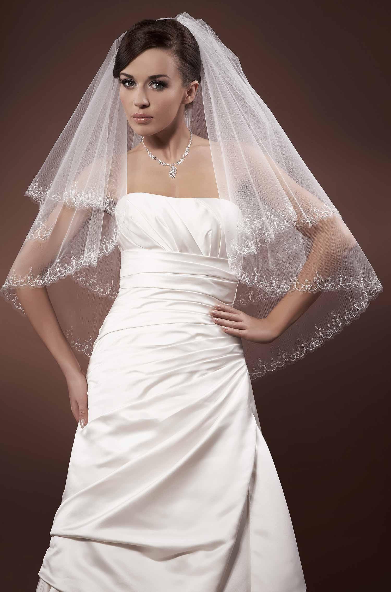 voile mariage tulle italien perles de verre brod es main cabiria. Black Bedroom Furniture Sets. Home Design Ideas