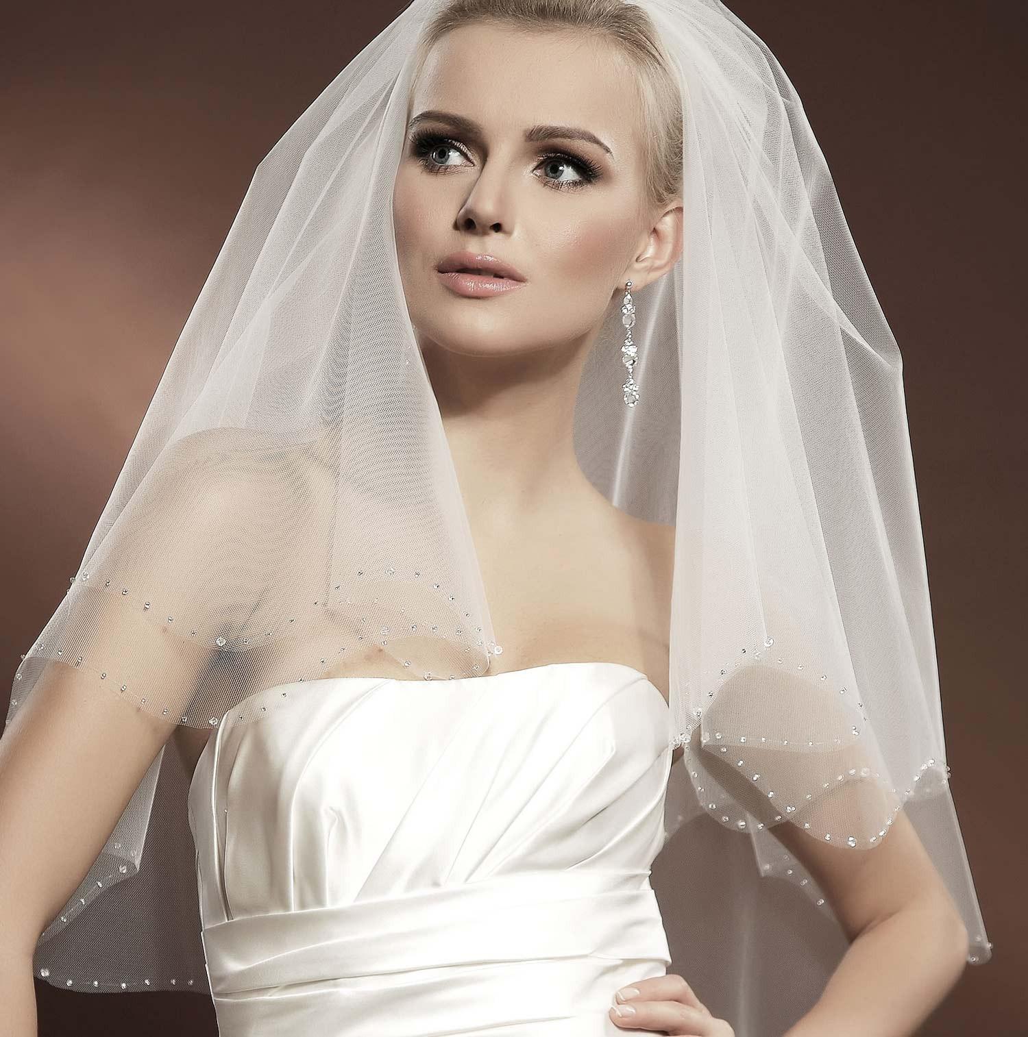 voile mari e tulle ivoire ou blanc avec cristal et perles de verre iva. Black Bedroom Furniture Sets. Home Design Ideas