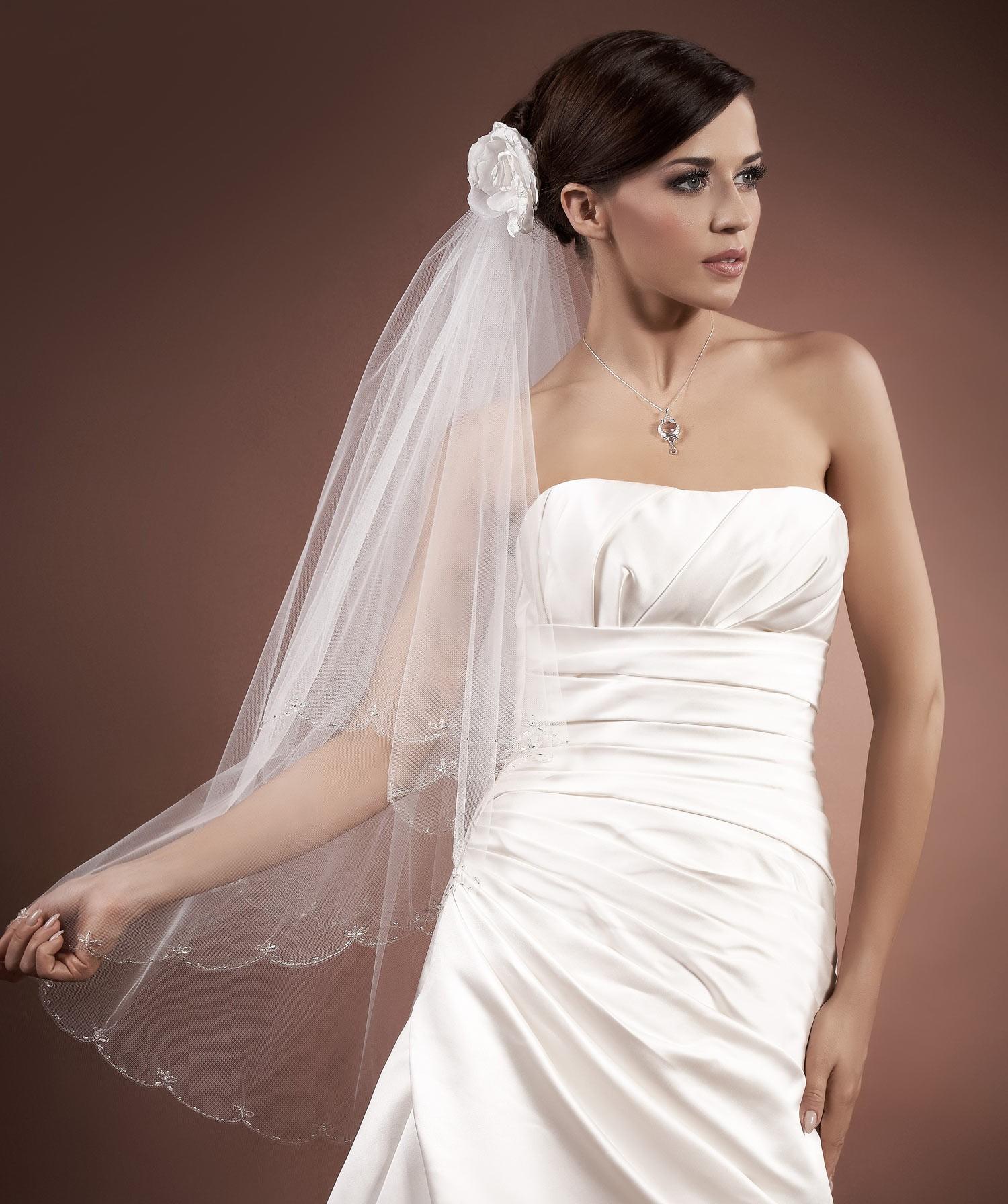 voile mari e tulle italien ivoire ou blanc avec perles de verre pia. Black Bedroom Furniture Sets. Home Design Ideas