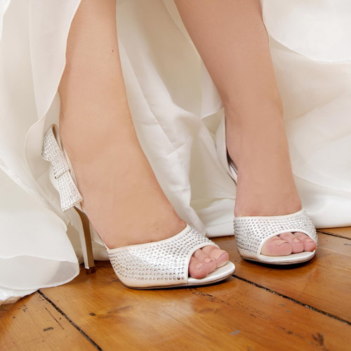 tout savoir sur la chaussure de mariage. Black Bedroom Furniture Sets. Home Design Ideas