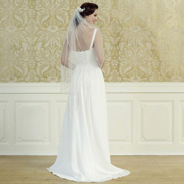 la robe de mari e simple et chic fait son come back. Black Bedroom Furniture Sets. Home Design Ideas